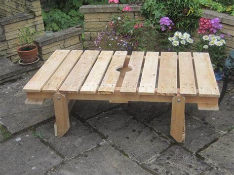 diy patio table legs diy pallet patio table with folding flat legs 101 pallets