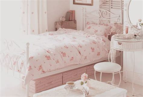Vintage Pastel Bedroom by Pretty Bedrooms Vintage Pastel Room