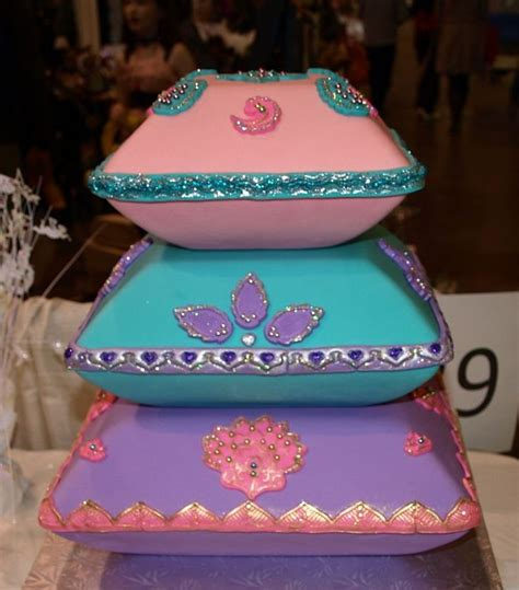 Wedding Cake Pillow by 17 Best Ideas About Pillow Wedding Cakes On