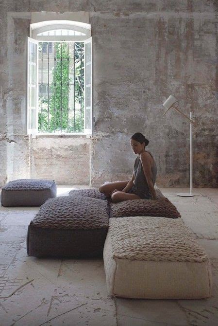 living room floor cushions 25 best ideas about floor pillows on pinterest floor
