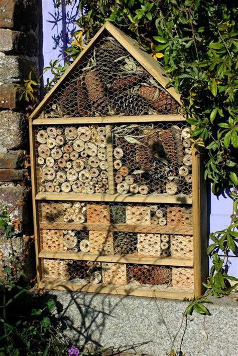32 best Jardin insectes images on Pinterest   Bug hotel
