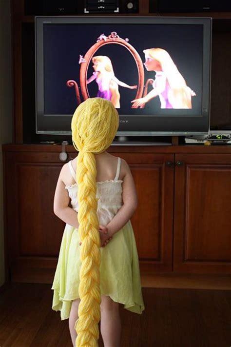 rapunzel tutorial wig easy yarn wig tutorial for rapunzel from tangled