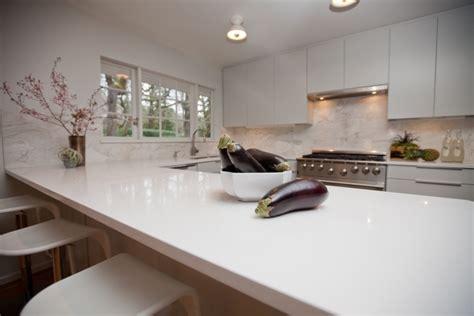 Comptoir De Cuisine Quartz Blanc by Plan De Travail Cuisine En Blanc Quartz Ou Corian