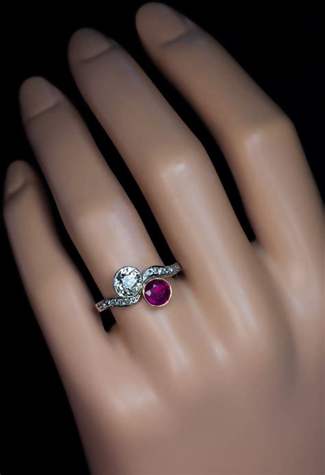 Ruby 5 70 Ct moi et toi ruby bypass vintage engagement rings