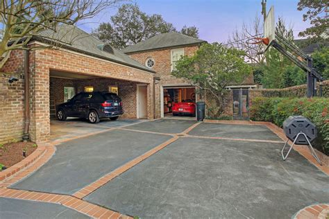 What Is A Motor Court Garage by 3427 Monte Drive Houston Tx 77019 Sotheby S