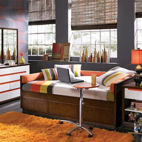 love  full size daybed   color scheme   great  reeds room house home
