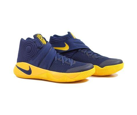 Promo Nike Kyrie Irving 2 Original Sepatu Baket Promo Terlaris nike kyrie 2 cavs midnight navy midnight navy basket nike and navy