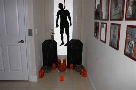 scary halloween themes ideas scary halloween door decorating contest ideas
