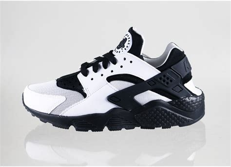 Nike Huarache Black by Black And White Nike Air Huarache Search Results