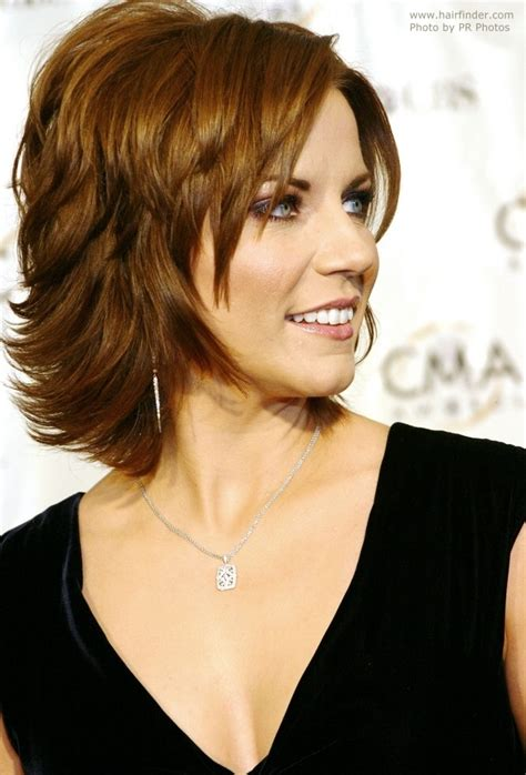pictures of hairstyle neck line martina mcbride s easy neck length hairstyle with a back