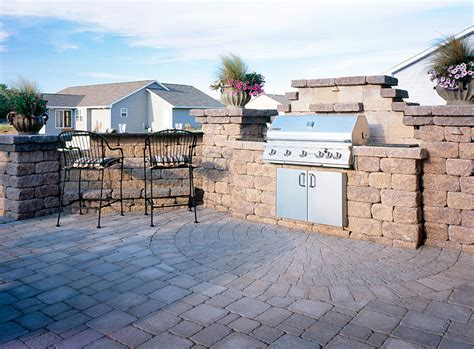 outdoor kitchens and summer kitchens idea photo gallery