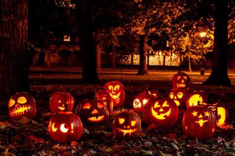 places    halloween travel  news