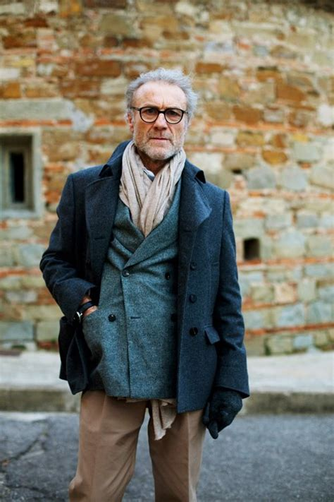 casual chic for middle age on the street tricolor florence 171 the sartorialist