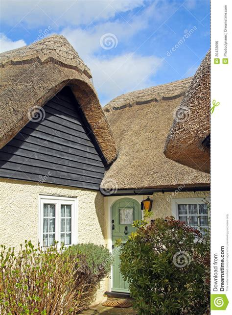 kent cottage beautiful thatched kent cottage royalty free stock image