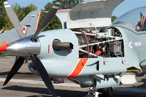 how does the pratt whitney canada pt6 differ from other today