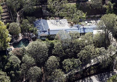 orlando bloom lists outposts home for 4 5 million