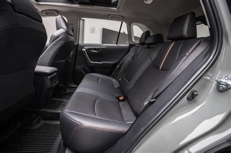 Rav 4 7 Seats by 2019 Toyota Rav4 Rear Interior Seats 01 Motor Trend