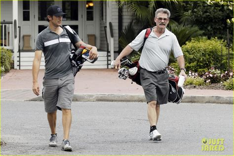oliver hudson kurt russell father oliver hudson goes golfing with kurt russell after his