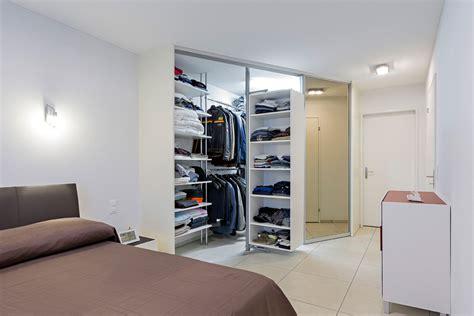 kleines schränkchen weiß wohnzimmer mit sch 246 ne wandfarben