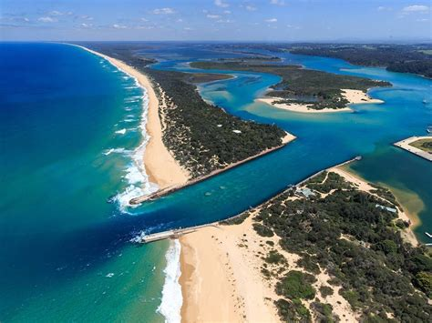 beaches and coastlines nature and wildlife victoria - Houseboat Gippsland Lakes