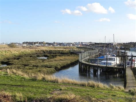 thames river wall panoramio photo of canvey island sea wall gt east river