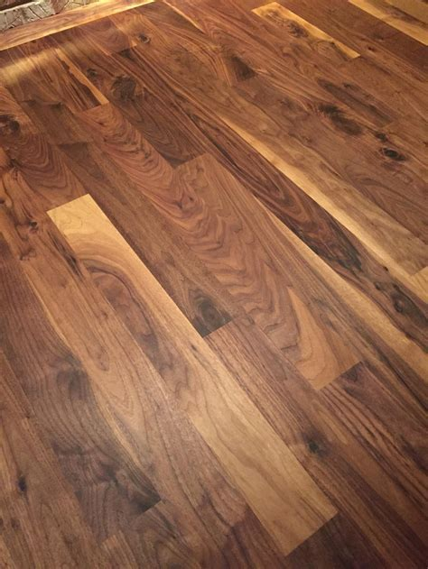 Frank VandePutte   PHOTOS Wood Floor Installations