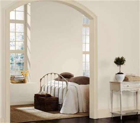 Sherwin Williams Egret White wall sw divine white trim sw kilim beige paints