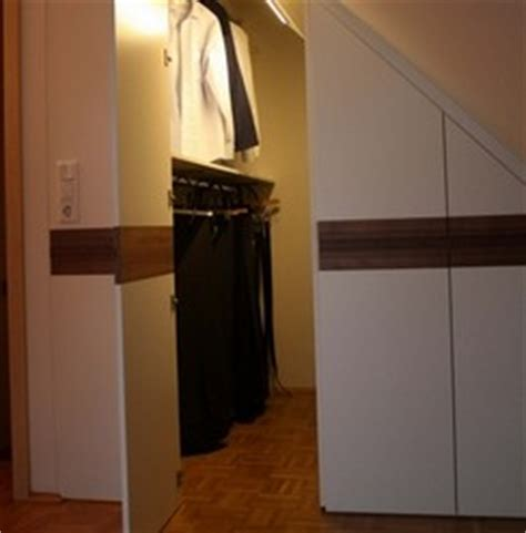begehbarer kleiderschrank dachgeschoss stauraum in der dachschr 228 ge 187 h 228 fele functionality world