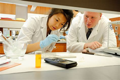Uconn Pharmacy Mba by Pharmacy School Working With Fda To Improve