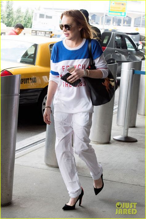 Stayback In Usa After Mba by Lindsay Lohan Promotes In The U S A As