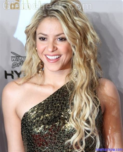 what color is shakira hair 2014 shakira new hot and sexy hairstyle new hair now