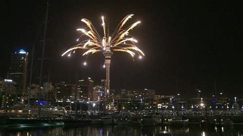 new year celebrations new zealand arrival of 2014 marked with new year celebrations in