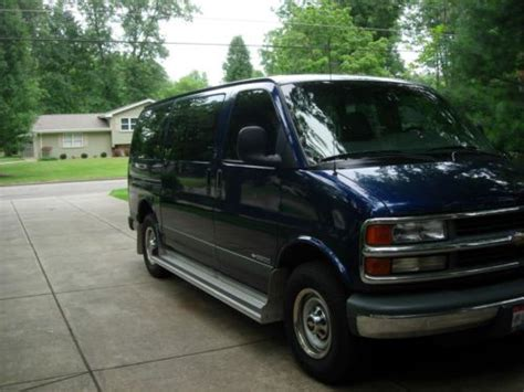 buy car manuals 2001 chevrolet express 3500 user handbook buy used 2001 chevrolet 3500 express passenger van in youngstown ohio united states