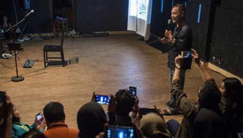 Promo Amangkurat Amangkurat Oleh Goenawan Hohamad goenawan mohamad luncurkan buku puisi fragmen seleb