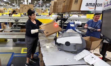 amazon jobs amazon s aurora distribution center deal may be one of the