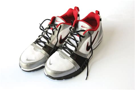 sport shoes images file sports shoes jpg wikimedia commons