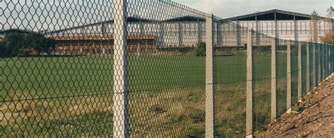 chain link fence post gravel boards concrete posts for strained wire fencing