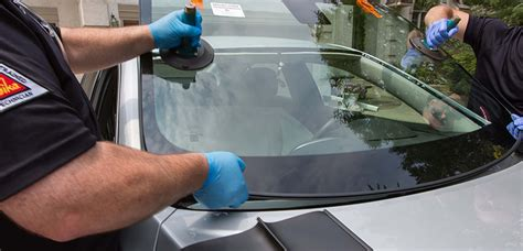 Auto Windshield Glass Repair by Mobile Auto Windshield Replacement We Come To You