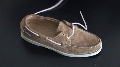 nettoyer canapé en daim comment remplacer les lacets cuir sur chaussure bateau