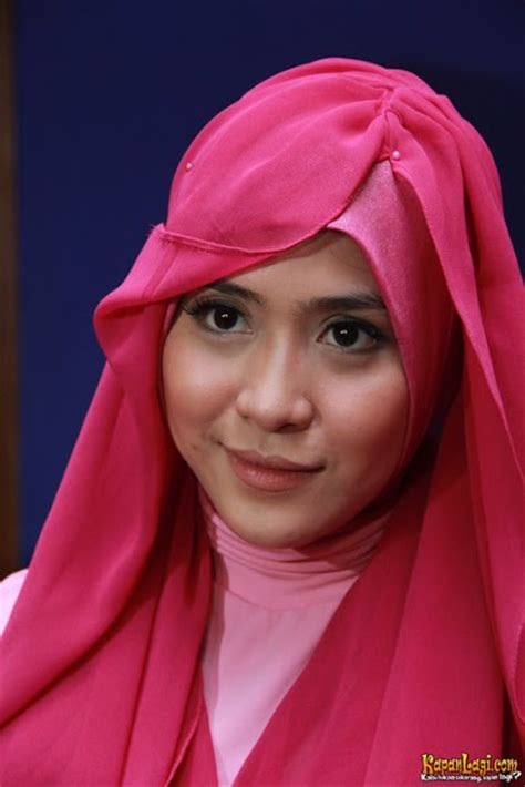 tutorial berhijab ala april jasmine hijab ala april jasmine hot girls wallpaper