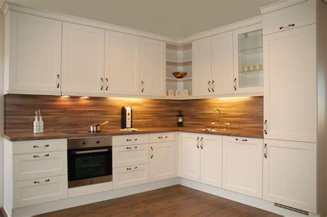 tegels keuken magnolia showroomkeukens alle showroomkeuken aanbiedingen uit
