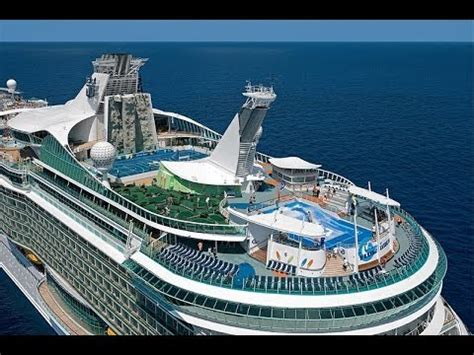 world's largest cruise liner  independence of the seas