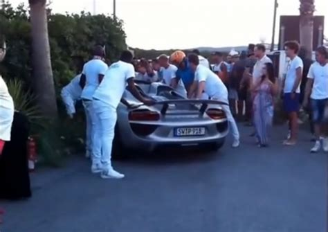 porsche 918 crash video man crashes porsche 918 spyder in saint tropez