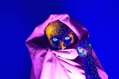 le neon uv portraits with glowing makeup reacting to uv light fubiz media