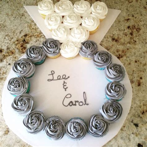 Wedding Ring Cupcakes by 25 Best Ideas About Engagement Cupcakes On