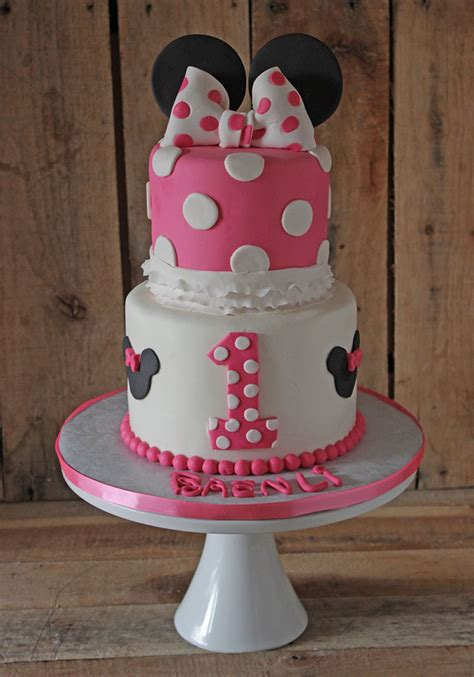 Topper Cake Minnie Mouse how to make a minnie mouse cake topper