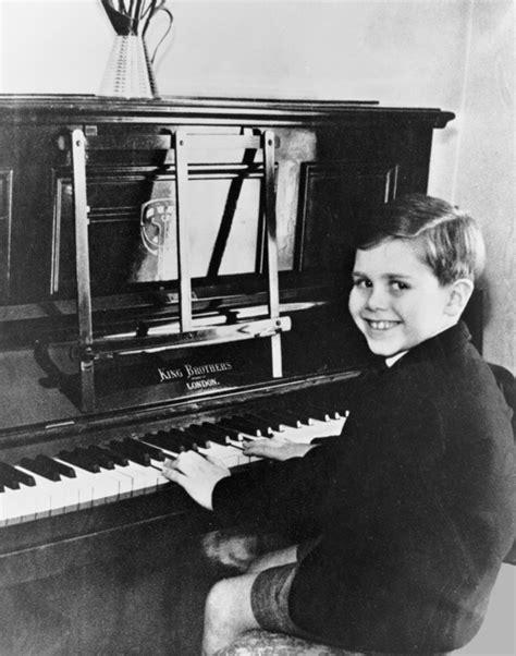 GLADA GOTLAND » Skjut inte mig jag är bara pianisten!