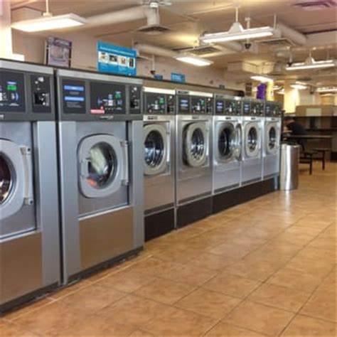 Laundry Mat Omaha by Wash World Coin Laundry 13 Photos 12 Reviews
