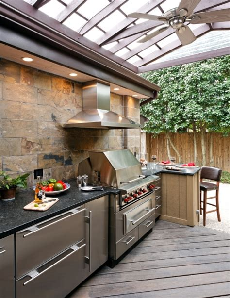 covered outdoor kitchen plans best 25 covered outdoor kitchens ideas on pinterest