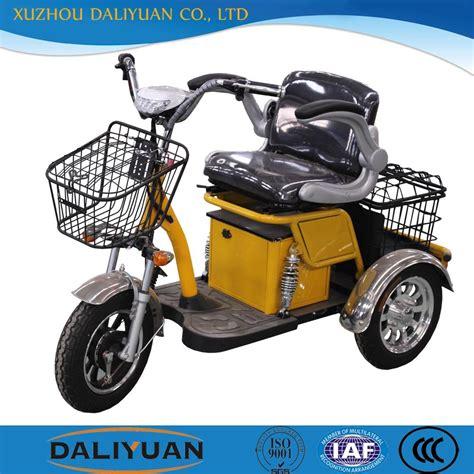 Dreirad Motorrad Mit Kabine by Elektrische Passagier Dreirad Mit Kabine Von Dem Roller